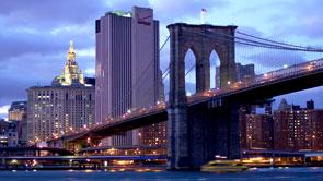 Timelapse Night View of Brooklyn Bridge